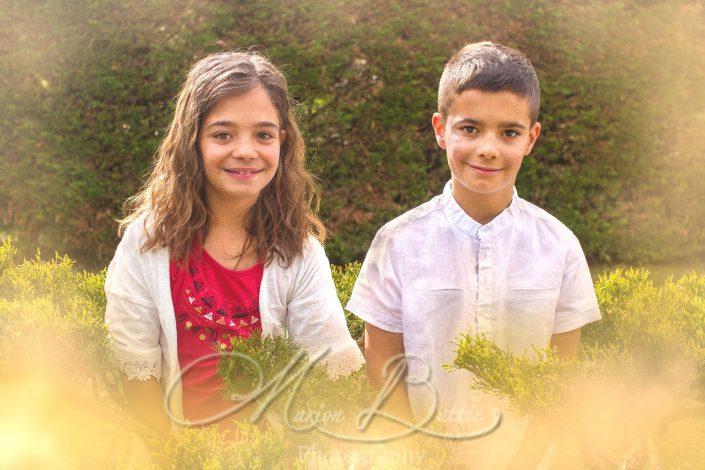 portraits, enfants, books enfants, communion, nature, rivière Coubon, Haute-Loire, Auvergne