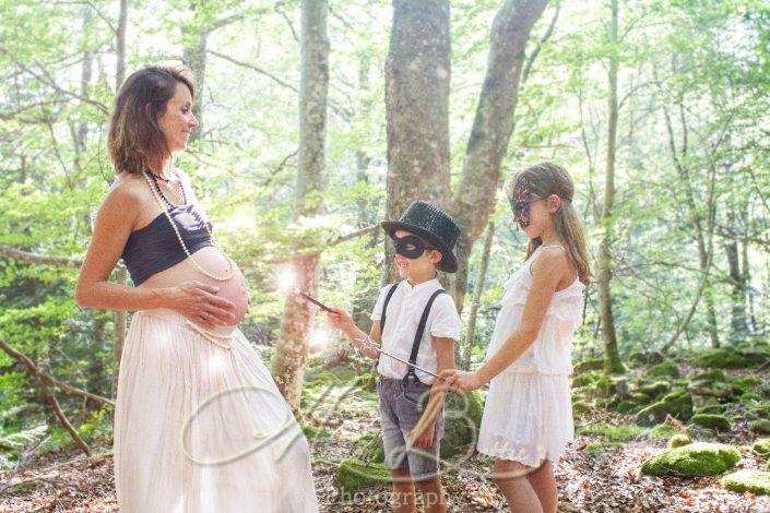 seance grossesse, ventre rond, bébé, nature, Haute-Loire, Auvergne