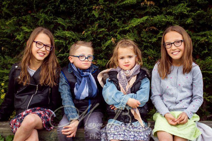 portraits, enfants, books enfants, famille, nature, Craponne-sur-Arzon, Haute-Loire, Auvergne