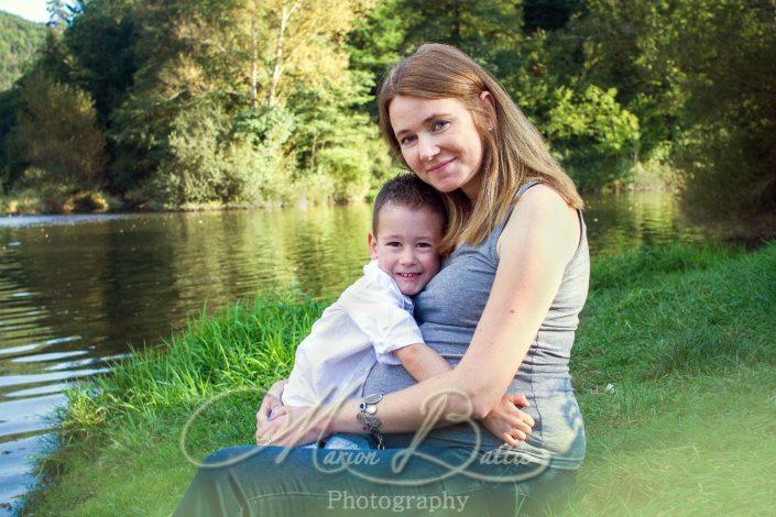 seance grossesse, ventre rond, famille, enfants, bébé, nature, Monistrol-sur-Loire, Bas-en-Basset, Haute-Loire, Auvergne
