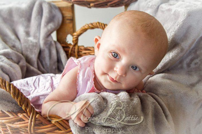 séance naissance, bébé, portrait, Saint-Julien-Du-Pinet, Haute-Loire, Auvergne
