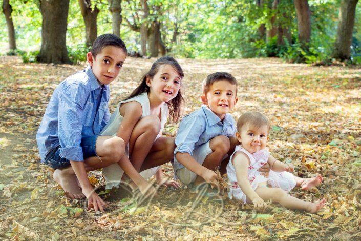seance famille, enfants, portraits, été, St-Bonnet-Les-Oules, Loire, Rhône-Alpes
