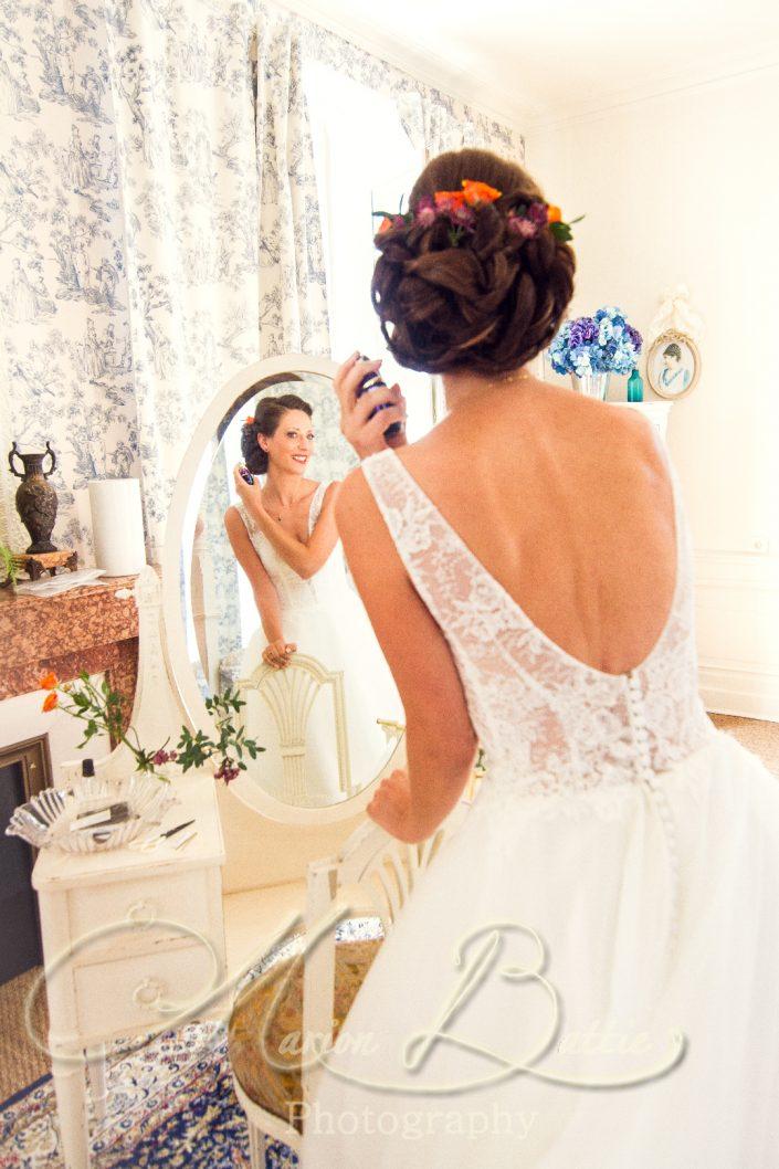 préparatifs mariés, mariée, marié, préparatifs, chateau, chateau de Chazelles, Saint-André-en-Chalencon, Haute-Loire, mariage