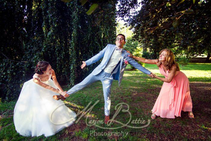 groupes, vin d'honneur, reportage de mariage, portrait, mariage, chateau de Chazelles, chateau, bouquet, famille, Saint-André-de-Chalencon, Haute-Loire