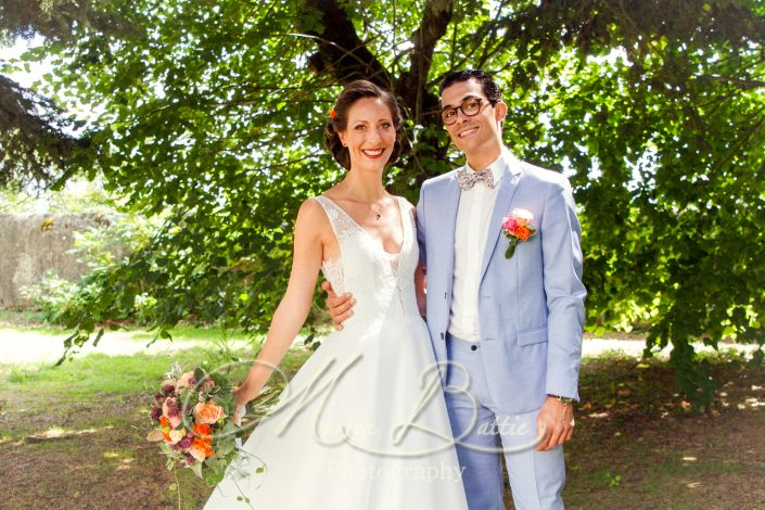 photos de couple, reportage mariage, mariée, marié, nature, reportage de mariage, chateau, chateau de Chazelles, Saint-André-en-Chalencon, Haute-Loire