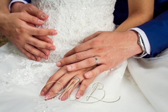 Photos de couple, mariage, photos de mariage, mariage Haute-Loire, Brives-Charensac, Domaine du Breuil de Doue, nature
