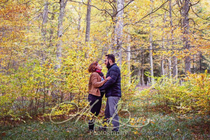 Noces de coton, mariage, anniversaire de mariage, automne, séance couple, couple, lac, Haute-Loire, Saint-Front