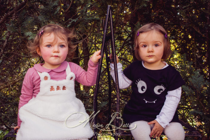 séance photo enfants, portrait enfants, portraits enfants,séance photo famille, séance enfants, enfants, jumelles, séance photo jumelles, Lantriac, Haute-Loire